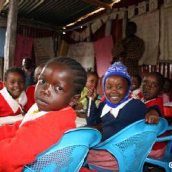 scuola allo slum di Kariobangi - reportage Kenya