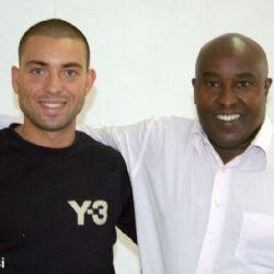 Nicolò con John Muiruri addetto stampa Amref - reportage Kenya