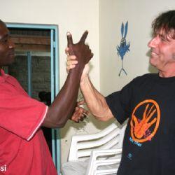 con Robert all'Alice Village - reportage Kenya