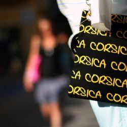 viaggio in Corsica - Bonifacio contrasti - reportage Roby Rossi