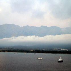viaggio in Corsica - nuvole a Calvi - reportage Roby Rossi
