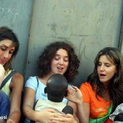 Roberta, Carolina e Caterina all'orfanotrofio