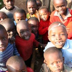 bambini del villaggio di Nyali