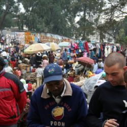 Nicolò al Masai market di Nairobi