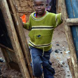 bimbo allo slum di Kibera