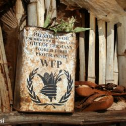 olio di palma WFP allo slum di Nyeri