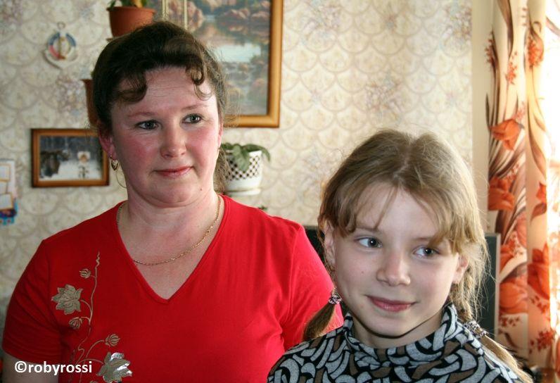 reportage dalla Bielorussia - mamma con la sua bambina