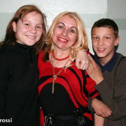 Ludmilla e Vlad con la direttrice dell'orfanotrofio